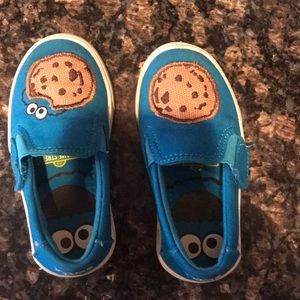 Toms cookies monster slip on!